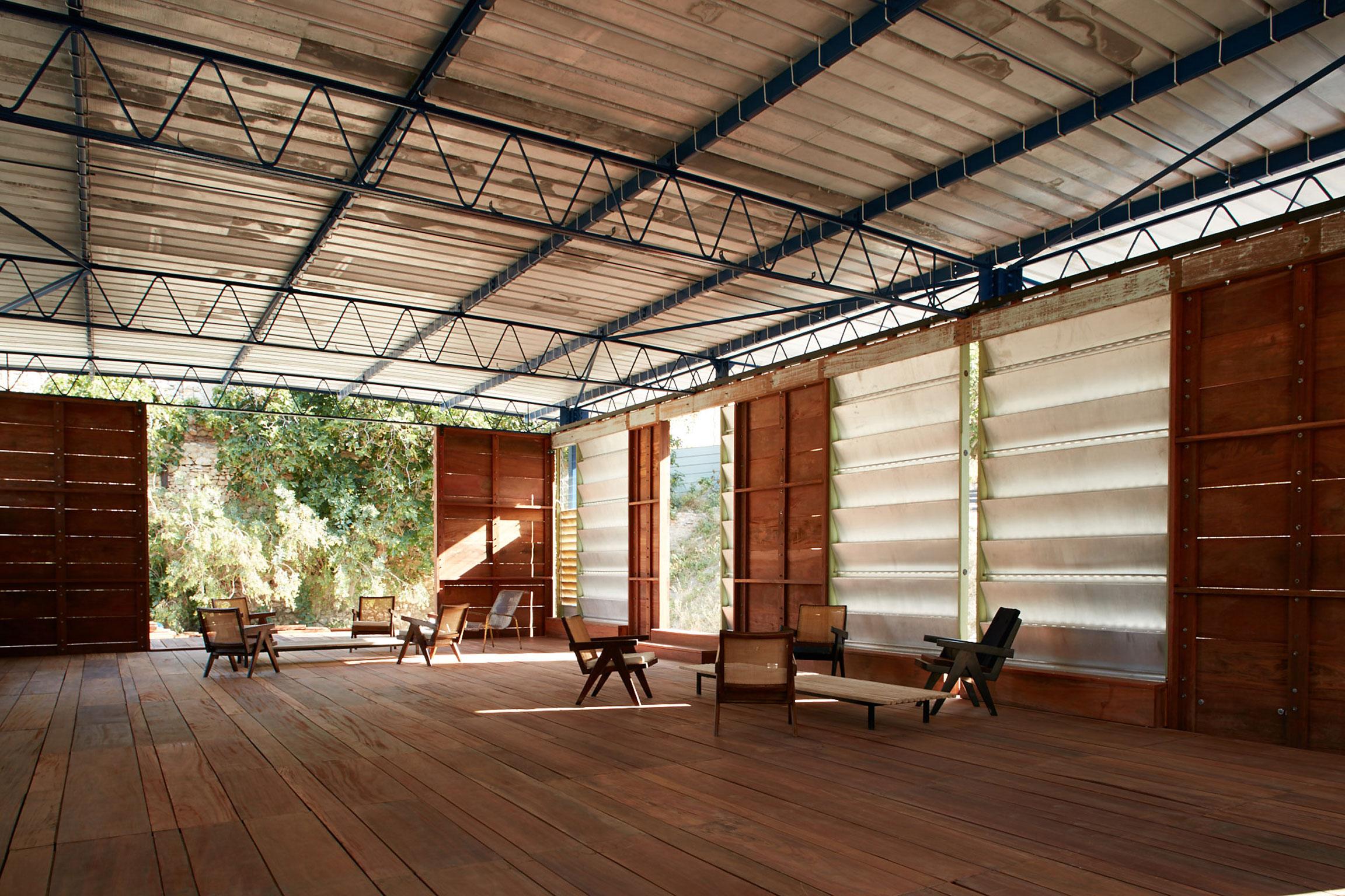 Jean Prouve & Atelier LWD Prototype Habitat Tropical