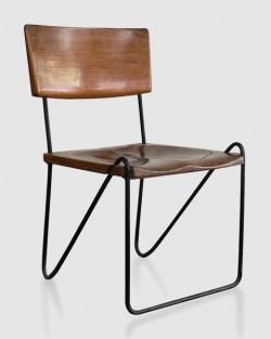 tables réfectoire avec chaises fixées